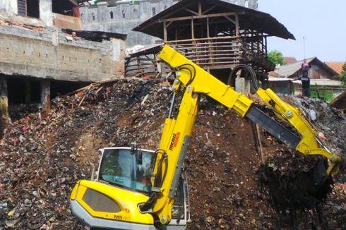 Pemilik Lahan Tempat Sampah di Kali Cipinang Minta Tanahnya Tak Dikikis