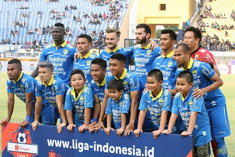 Tim Persib Bandung berpose.