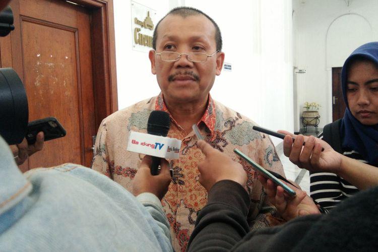 Sekretaris Daerah Jabar Iwa Karniwa saat ditemui usai rapat membahas perkembangan proyek NS Link di Hedung Sate, Jalan Diponegoro, Kamis (14/3/2019).
