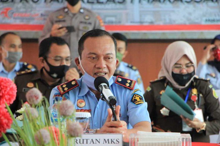 Kepala Rutan Kelas 1 Makassar Sulistyadi saat menghadiri rapat mengenai mekanisme penerimaan tahanan baru di Rutan Makassar, Rabu (24/6/2020).