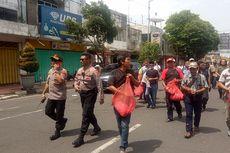 Kompleks Ruko Jompo Jember Ambruk, Warga Tabur Bunga untuk Buang Sial
