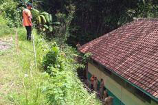 Tebing Retak di Bukit Menoreh Ancam Satu SD