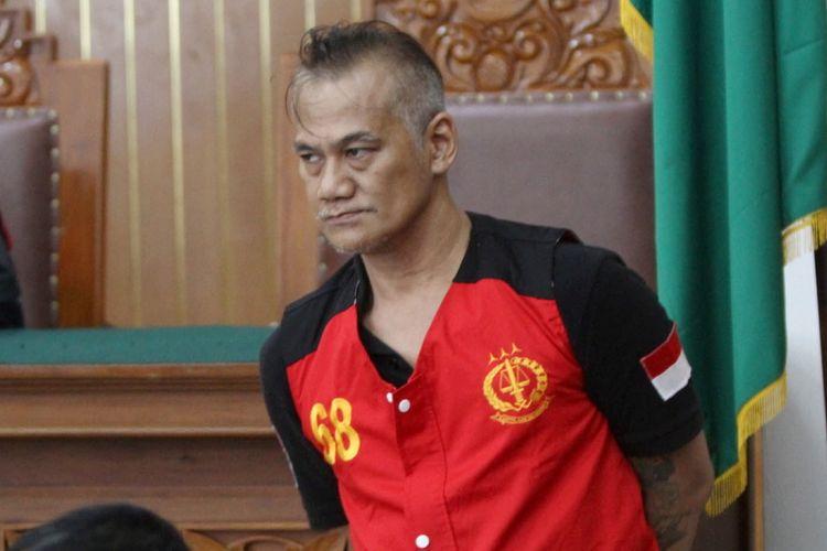 Aktor senior Tio Pakusadewo hadir di Pengadilan Negeri Jakarta Selatan untuk menjalani sidang lanjutan, Senin (7/5/2018). Sidang lanjutan tersebut beragendakan mendengarkan keterangan saksi dari pihak Polri pada saat penangkapan Tio, terkait kasus penyalahgunaan narkotika.