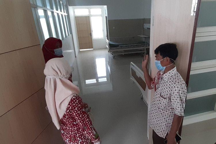 Kepala Dinas Kesehatan Kabupaten (DKK) Boyolali, Ratri S Survivalina di sela meninjau kesiapan RSUD Waras Wiris sebagai rujukan Covid-19, Selasa (1/12/2020).
