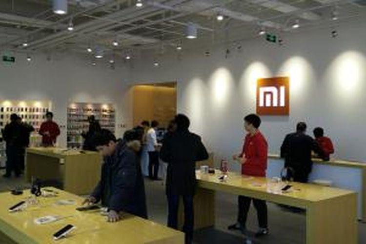 Mi Home, toko aksesoris dan experience center untuk mencoba berbagai gadget dan perangkat elektronik buatan Xiaomi di Beijing.