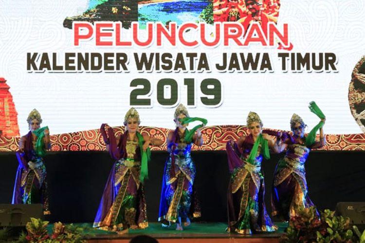 Provinsi Jawa Timur meluncurkan Kalender Wisata 2019 di Gedung Graha Wisata, Surabaya, Selasa (22/1/2019), yang dilakukan oleh Kepala Dinas Kebudayaan dan Pariwisata Jatim, Sinarto. Acara tersebut dihadiri oleh para pelaku pariwisata di Jawa Timur.