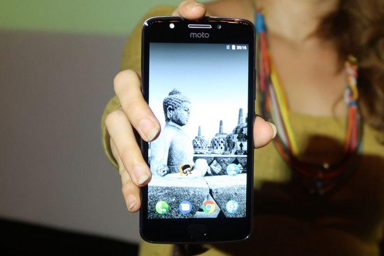 Tampak depan Motorola Moto E4