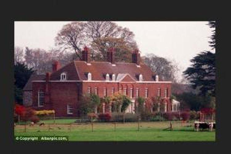 Rumah besar bernama Anmer Hall di Norfolk, Inggris, ini dulunya pernah menjadi tempat pertemuan rahasia Pangeran Charles dan Camilla.