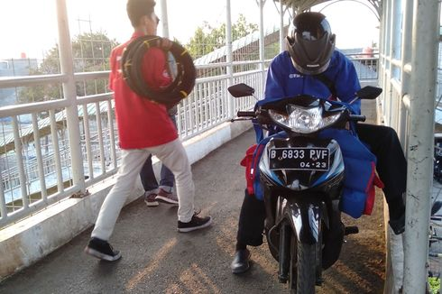 Mereka yang Terganggu karena JPO Dikuasai Sepeda Motor