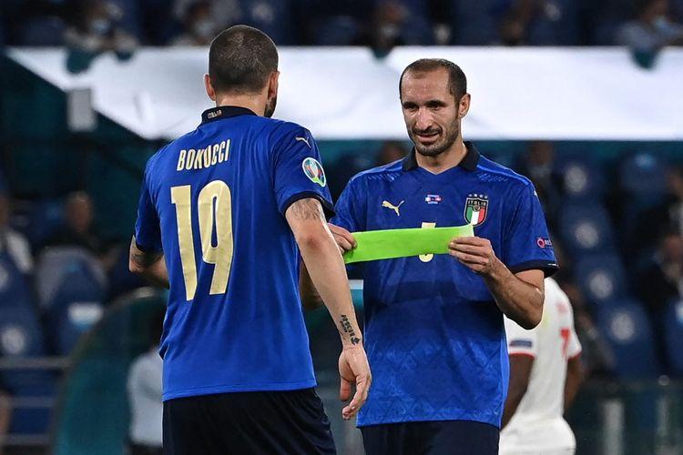 Duet bek tengah timnas Italia, Leonardo Bonucci dan Giorgio Chiellini.
