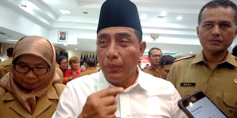 Gubernur Sumut Edy Rahmayadi akan memberhentikan ribuan tenaga honorer di lingkungan kerja Pemerintah Provinsi Sumut, Rabu (19/6/2019)