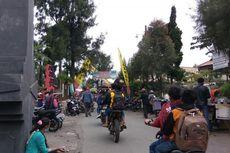 Ribuan Orang Padati Bromo Menunggu Yadnya Kasada