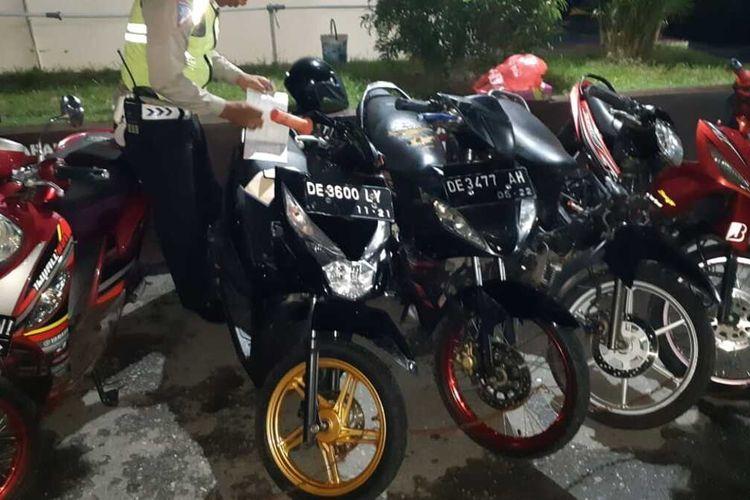 Lima unit sepeda motor yang digunakan untuk balap liar diamankan polisi ke kantor Polresta Pulau Ambon dan Pulau-Pulau Lease, Kamis (5/3/2020)