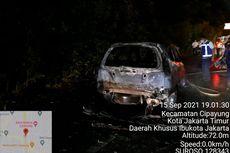 Korsleting Lampu Depan, Mobil Honda Stream Hangus Terbakar di Tol Jagorawi
