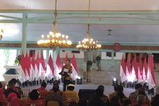 Hadiri Peringatan Hari Batik Nasional, Presiden Jokowi Ikut Membatik Cap di Pura Mangkunegaran