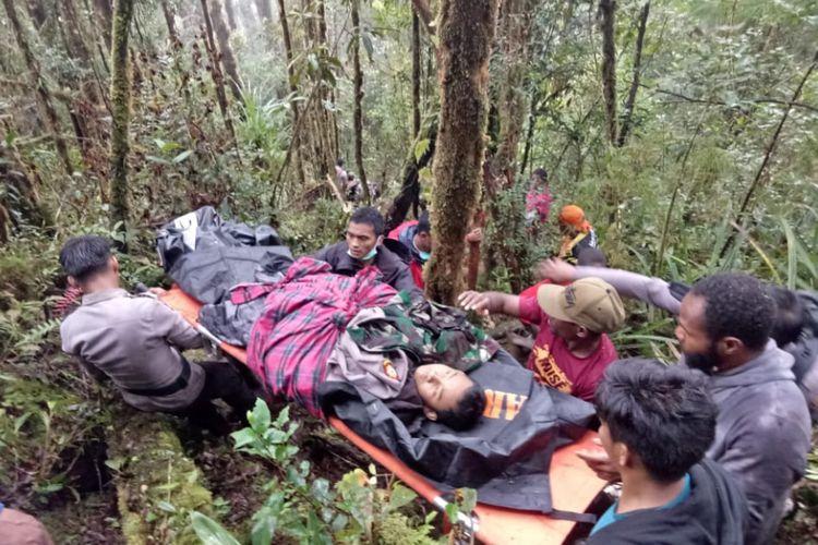 Jumaidi, korban selamat yang dievakuasi dari lokasi jatuhnya pesawat Dimonim Air, di Gunung Menuk, Distrik Aerambakon, Papua, Minggu (12/8/2018) pagi sekitar pukul 08.45 WIT.