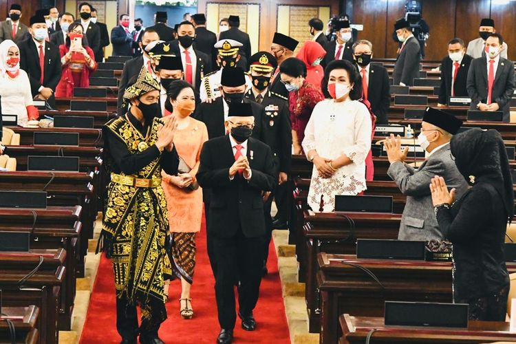 Presiden Joko Widodo dan Wakil Presiden Maruf Amin menghadiri sidang tahunan MPR, di Kompleks Parlemen, Senayan, Jakarta, Jumat (14/8/2020) pagi.