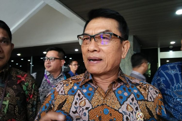 Kepala Staf Kepresidenan (KSP) Jenderal (purn) Moeldokodi Kompleks Parlemen, Senayan, Jakarta, Selasa (18/6/2019)