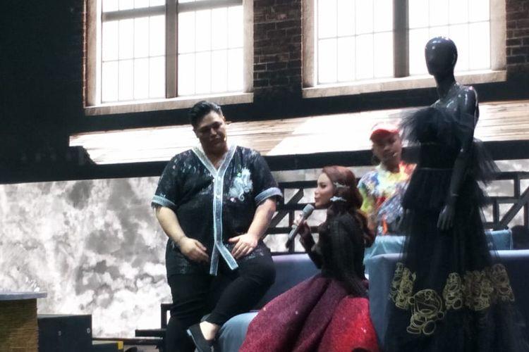 Ivan Gunawan dan Rossa di atas panggung konser Ivan Gunawan Live On Stage Story Of My Life yang digelar di Ciputra Artpreneur Theater, Kuningan, Jakarta Selatan, Jumat (2/8/2019).