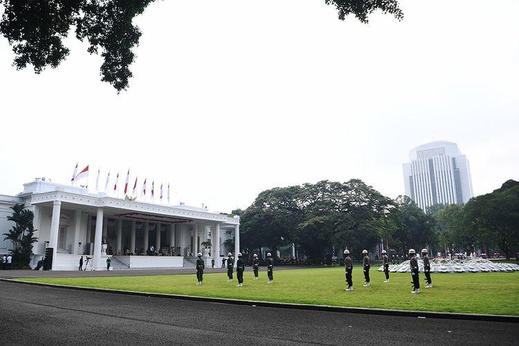 Suasana geladi Upacara Peringatan Detik-Detik Proklamasi Kemerdekaan Republik Indonesia di halaman Istana Merdeka, Jakarta, Kamis (13/8/2020). Negara Kesatuan Republik Indonesia akan memasuki usia yang ke-75 pada 17 Agustus mendatang.
