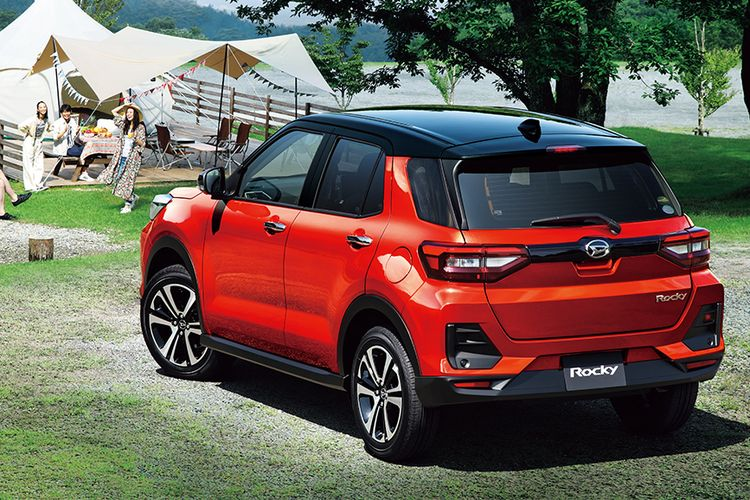 Antara Daihatsu Rocky dan Toyota Raize, sama-sama dibekali sistem penggerak Dynamic Torque Control 4WD.