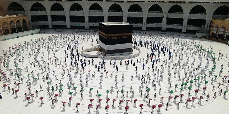 Arab Saudi: Hanya Jemaah yang Sudah Divaksin Covid-19 Diizinkan Umrah ke Mekkah
