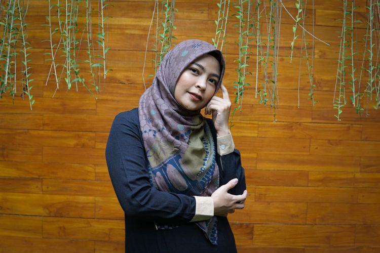 Tantri Syalindri Ichlasari yang lebih dikenal sebagai vokalis Kotak