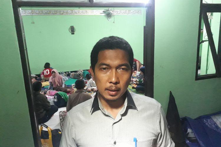 Lurah Cipinang Melayu Agus Sulaeman kepada awak media di Kantor Kelurahan Cipinang Melayu, Makasar, Jakarta Timur, Jumat (28/2/2020).