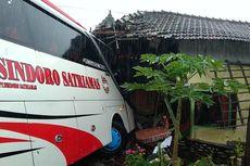 Bus Jurusan Magetan–Jakarta Tabrak Warung, Sopir: Terus Terang, Saya Tidak Hafal Jalan