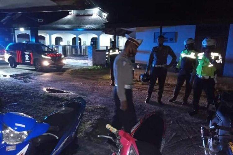 Aparat Polres Maluku Tengah menggelar razia terhadaps epeda motor yang menggunakan knalpot racing di Masohi, Sabtu malam (19/12/2020). Dalam razia itu polisi mengamankan empat unit sepeda motor