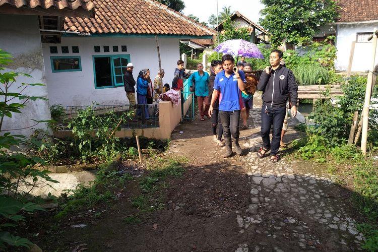 Para korban minuman keras oplosan tewas dan telah dimakamkan di kampung halamannya masing-masing di Desa Jayamukti Kecamatan Leuwisari Kabupaten Tasikmalaya, Kamis (23/1/2020).