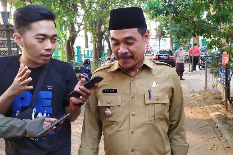 Lurah Benda Baru Saidun usai menjalani pemeriksaan di Polsek Pamulang, Tangerang Selatan, Selasa (28/7/2020)