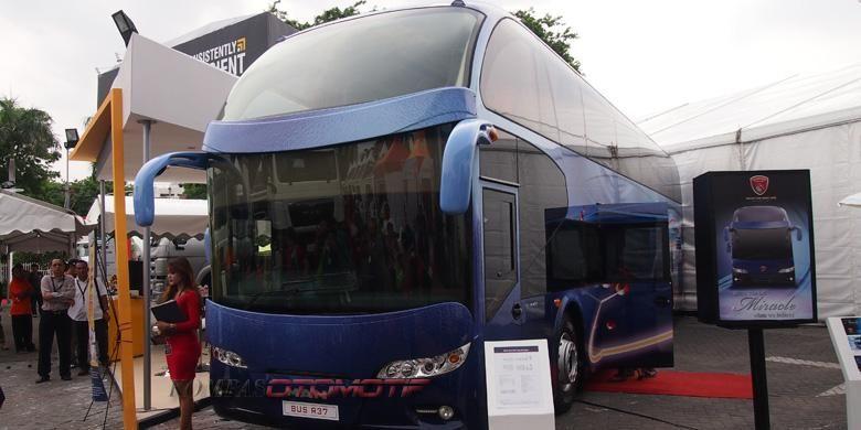 Bus tingkat buatan karoseri Karya Nusantara Gemilang, Kudu, Jawa Tengah