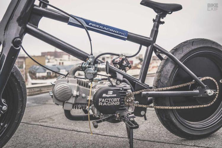 Rangka baru full custom dinila lebih amam ketimbang memakai sasis asli sepeda.
