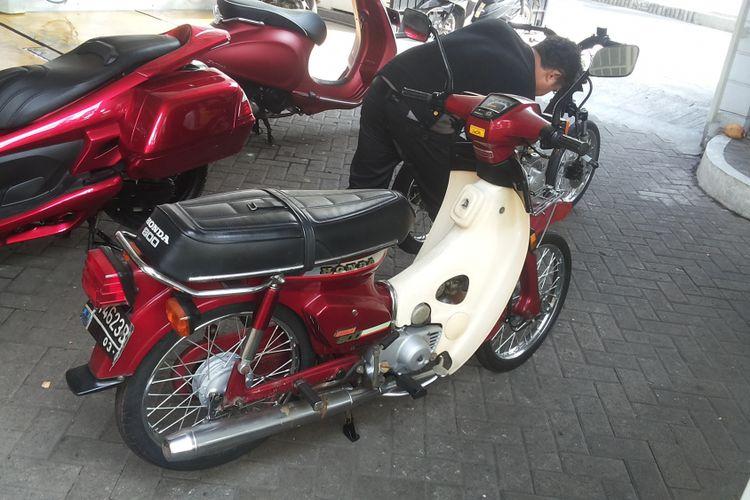 Salah satu unit Honda Super 800 yang baru saja selesai dibody detailing di Restomax Moto Detailing, Lebak Bulus, Jakarta Selatan, Sabtu (13/1/2017).