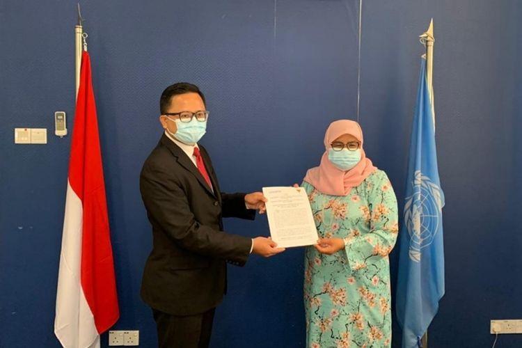 Direktur Eksekutif PBB/UN-Habitat Maimunah Mohd Sharif setelah menandatangani Naskah Persetujuan Perjanjian Kerjasama Penyelenggaraan Peringatan Hari Habitat Dunia pada Selasa (29/9/2020).