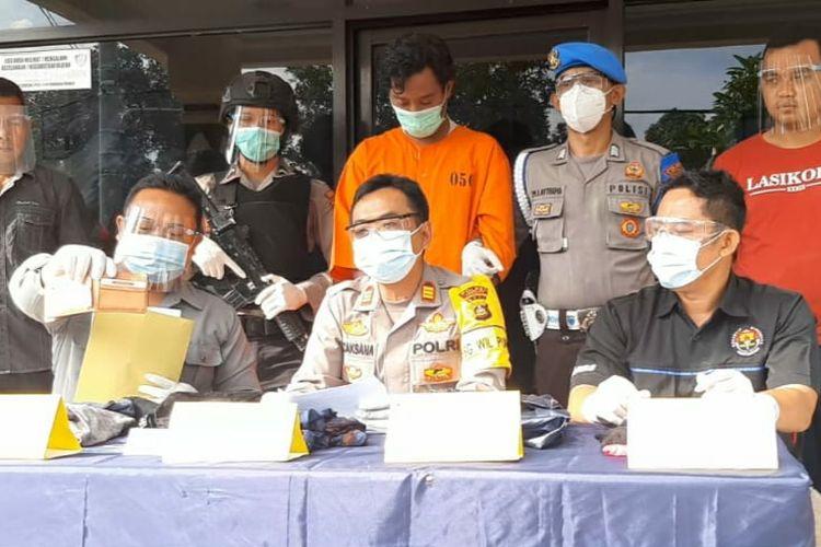 Pelaku (baju orange) percobaan pemerkosaan ditangkap Polsek Pupuan, Tabanan.