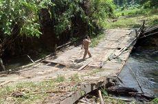 Jembatan di Melawi Ambruk Diterjang Banjir Bandang, Akses Transportasi Putus