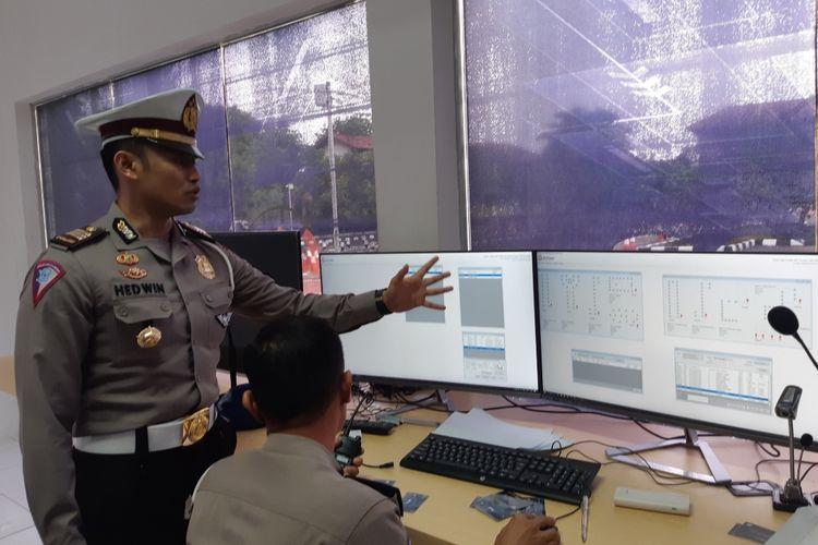 Situasi ruang kontrol dalam praktik ujian sim di Satpas SIM Daan Mogot, Jakbar, Selasa (11/12/2019)