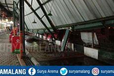 Hujan Deras, Atap Sentra Kuliner di Malang Tiba-tiba Roboh