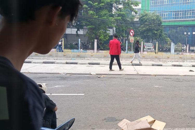 Bentrokan kembali terjadi Jalan Harmoni, Jakarta Pusat pada Kamis (8/10/2020) sore ini.