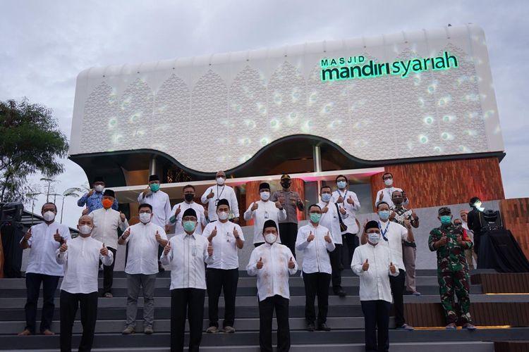 PT Jasa Marga (Persero) Tbk resmikan masjid Mandiri Syariah di Rest Area Tol Cipularang
