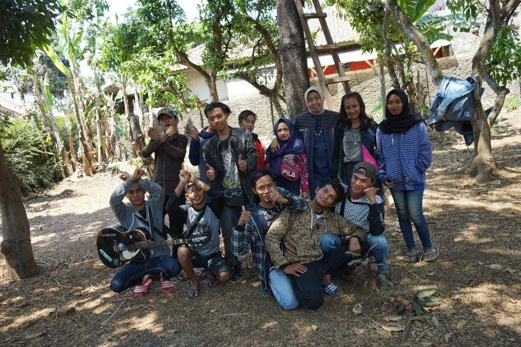 Para anak-anak punk yang berhasil dibina oleh Yanti sang mantan Kepala HRD di salah satu perusahaan farmasi di DKI.