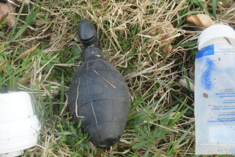Benda-benda yang awalnya diduga bom peninggalan era Perang Dunia II di Bavaria, Jerman, yang setelah diselidiki ternyata mainan seks.