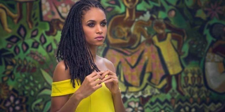 Gaya rambut gimbal Sanneta Myrie, perwakilan Miss World dari Jamaika, mengundang banyak perhatian dan daya tarik tersendiri.