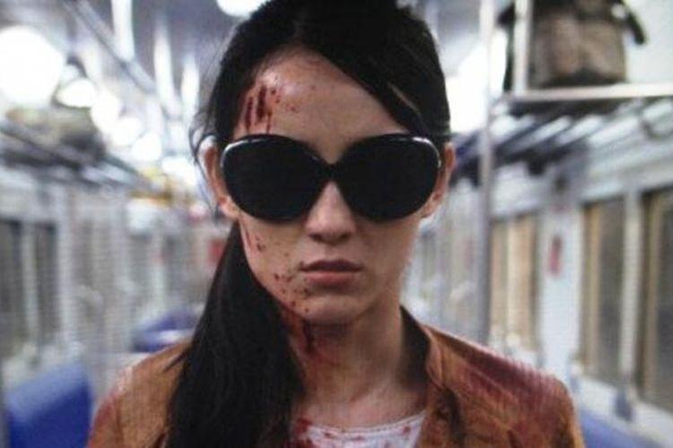 Foto Julie Estelle dalam film the Raid 2: Berandal yang diposting sutradara Gareth Evans di akun Twitter-nya.
