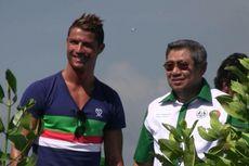 Ronaldo Tanam Mangrove bareng SBY