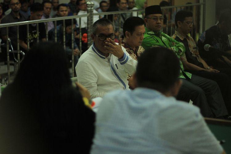 Bupati Muara Enim Ahmad Yani saat menjadi saksi untuk terdakwa Robi Okta Fahlevi terkait kasus suap proyek pembangunan jalan sebesar Rp 12,5 Miliar yang berlangsung di Pengadilan Negeri Kelas 1A Palembang,  Selasa (3/12/2019).