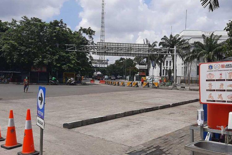 kondisi terminal Tanjung Priok setelah pemberlakuan larangan mudik, Jumat (24/4/2020)