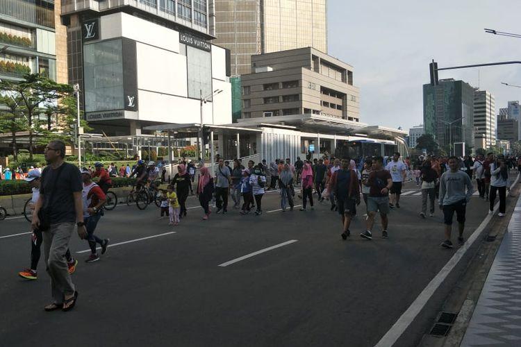 Kegiatan Hari Bebas Kendaraan Bermotor (HBKB) ataucar free day(CFD) di sepanjang jalur Sudirman-Thamrin, Minggu (8/3/2020).